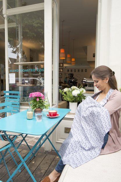 Breastfeeding cover up apron - Grey zebra - model